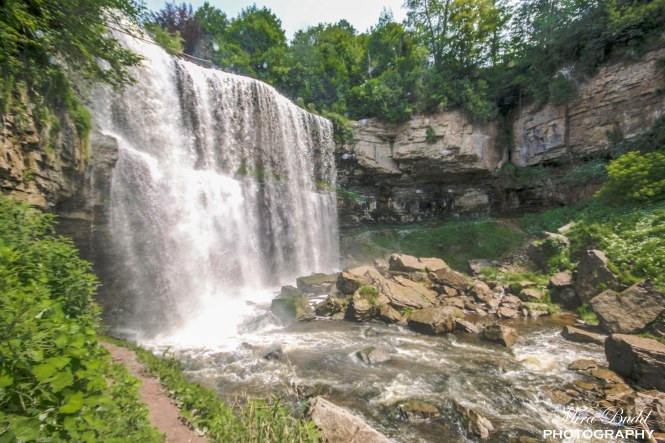 Waterfalls in Hamilton, Beautiful Places in hamilton, things to see in Ontario, Hiking Trails in Ontario, Ontario Day Trips,