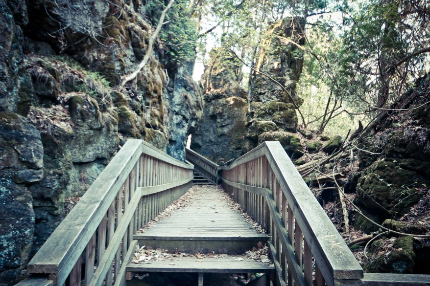 Hiking Ontario, Hiking Trails in Ontario, Beautiful Places in Ontario, Bruce Trail Hiking,