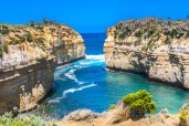 Loch Ard Gorge, Hiking Trails Australia, 12 Apostles, Things to See in Australia, Beautiful places in Australia, Things to See Along The Great Ocean Road, Attractions Australia, Beautiful Beaches in Australia, Beaches in Australia, Caves near Melbourne,