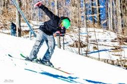 Best Terrain Parks Ontario, Ontario Skiing, Top Ski Hills in Ontario, Best Skiings in Ontario, Freestyle Skiers, Things to do in Winter in Ontario, Ski Rosorts Ontario, Mount St. Louise Moonston Terrain Park,