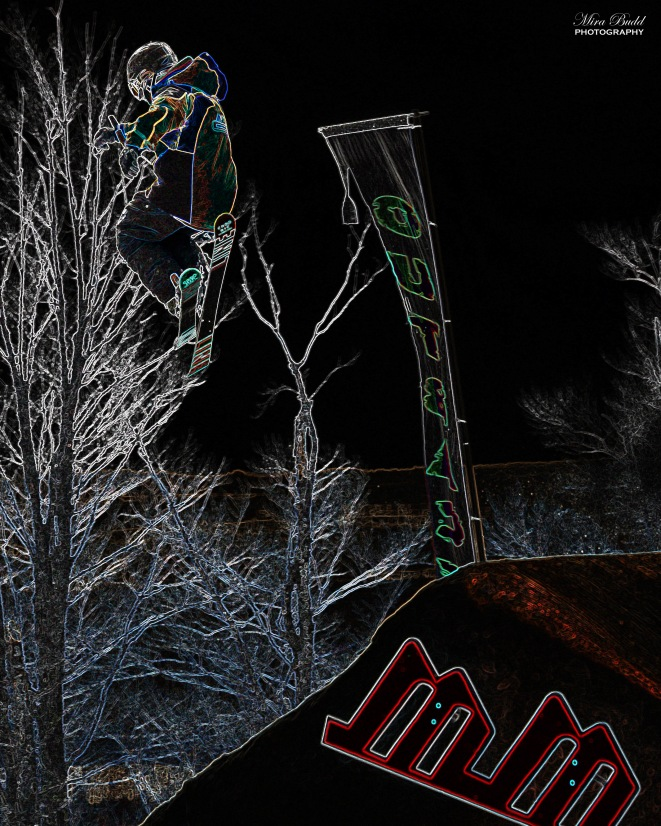Mount St. Louis Moonstone, Mount St. Louis Moonstone Half Pipe, Mount St. Louis Moonstone, Best Terrain Parks Ontario, Ontario Skiing, Top Ski Hills in Ontario, Best Skiings in Ontario, Freestyle Skiers, Things to do in Winter in Ontario, Ski Rosorts Ontario, Mount St. Louis Moonstone Terrain Park,