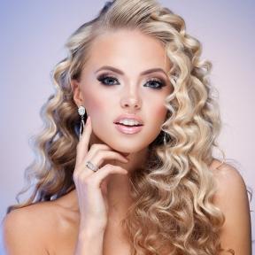 Prom Hair Styles, Brampton Hair Salons, Best Hair Style for Prom, Best Hair Salon in Caledon, Best Hair Salon in Brampton,