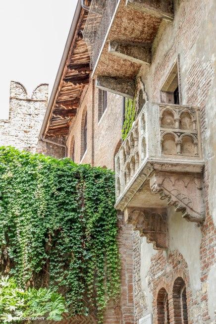Our Stop in Verona Italy – Juliet's Balcony and the VeronaArena