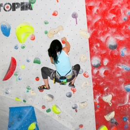 Boulder Climbing Ontario, Best Climbing Gyms Ontario, Indoor Climbing Gyms, Things to do in Winter in Toronto,